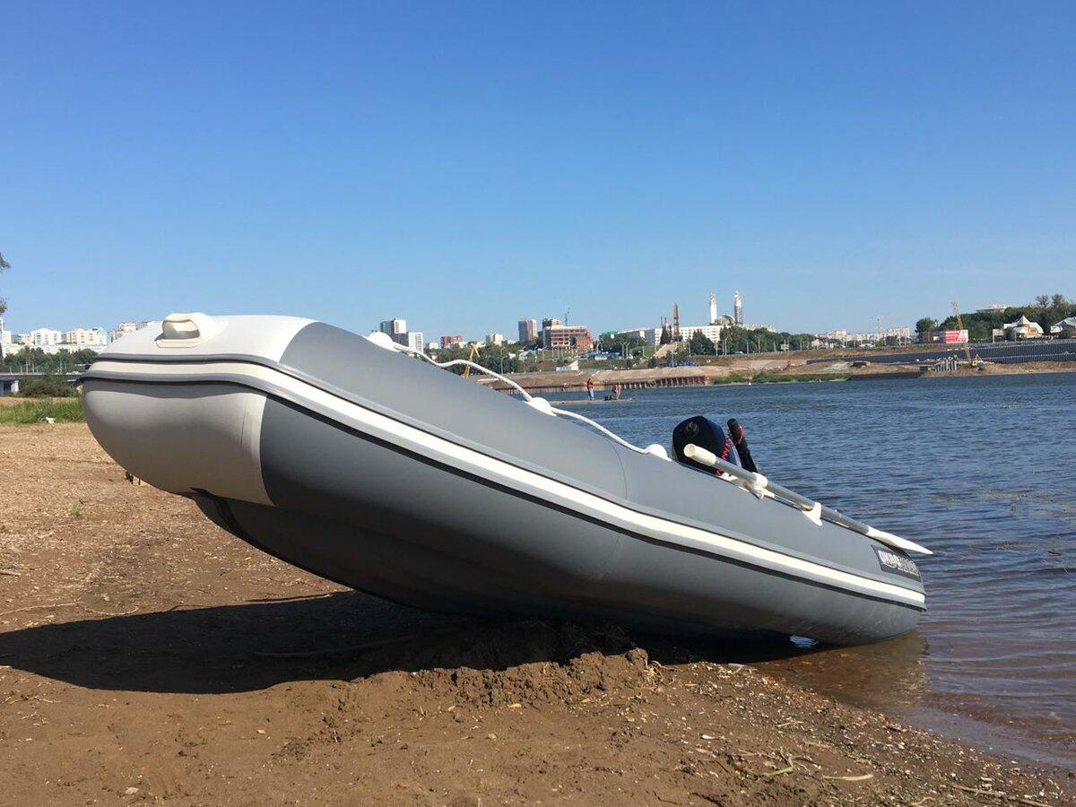 Лодка с надувным дном низкого давления.