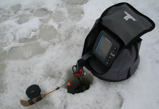 Один из типичных зимних эхолотов.
