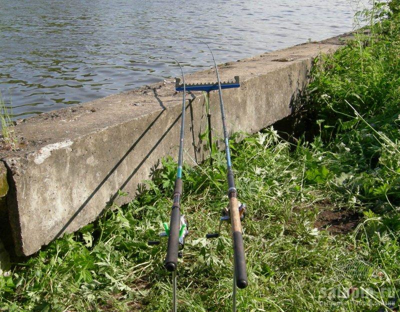 Рисунок 4 - Ловля на канале им. Москвы в Лихачево. Значительный изгиб вершинок фидеров, течение усиливается