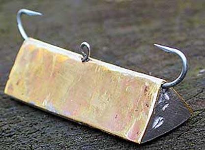 Крупная стукалка с треугольным сечением
