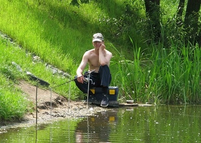 Преднерестовая рыбалка на фидер в мае на реке