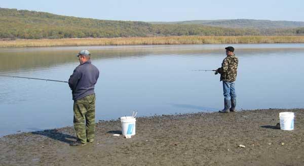 Весенняя ловля дальневосточной красноперки в устьях